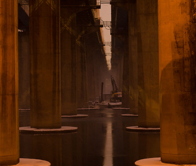 Pillars running across the Han River in the hour before dawn (P.M. Lydon, 2013)