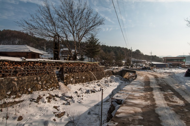 Winter walk in Hongcheon, South Korea (2013, P.M. Lydon)