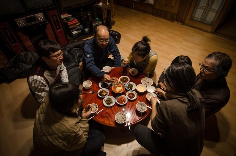 Enjoying dinner at Seonghyun Choi's (최성현) natural farm, Hongcheon, South Korea (2013, P.M. Lydon)