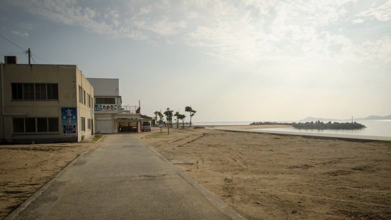 Beachfront -- Hideo Matsuuchi (Photo, P.M. Lydon, CC BY-SA)