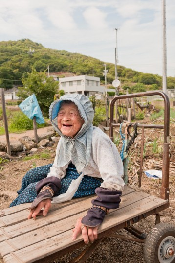 A 90-year old woman with a lot of energy and warmth (photo: Suhee Kang)