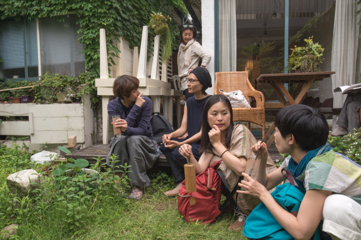 Intermission time in the garden at Cacao Dream in Kyoto