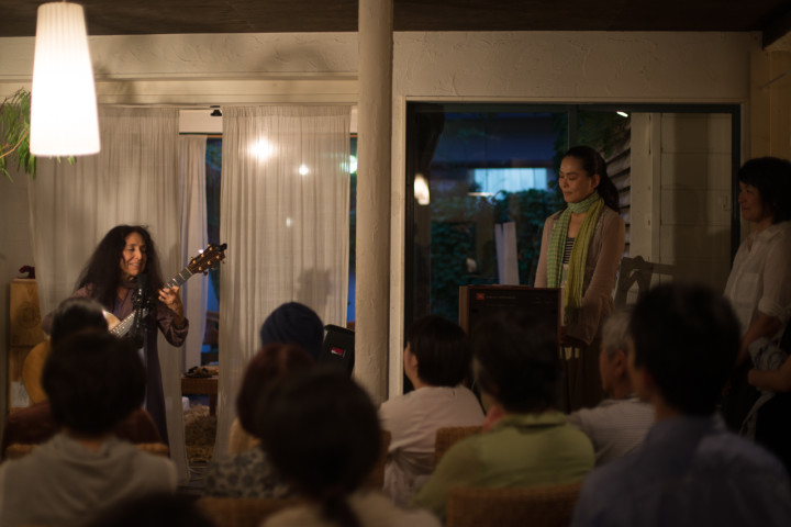 Alicia Bay Laurel performs at Cacao Magic in Kyoto, Japan