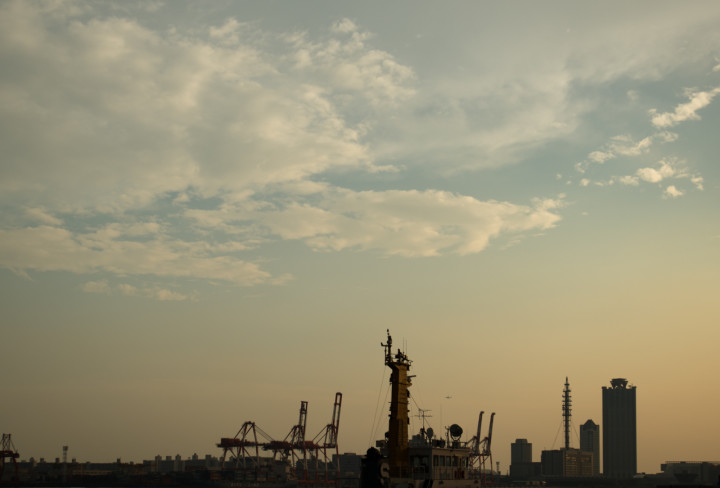 Clouds and the Port of Osaka around dusk